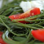 Agretti, pizzutelli e yogurt greco. L'insalatina ideale!