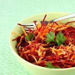 ultime verdure per l'estate? insalata di carote e barbabietole