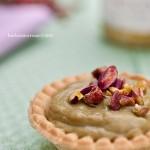 tartelette con crema – montata – al pistacchio