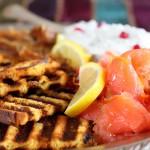 salmone, salsa raita, panettone [Loison]
