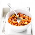 di miele allo zafferano, carote, mandorle e uvetta