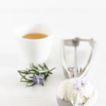 gelato miele di lavanda e fiori di rosmarino