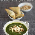 Crema di erbette e spinaci con semi e mandorle tostati