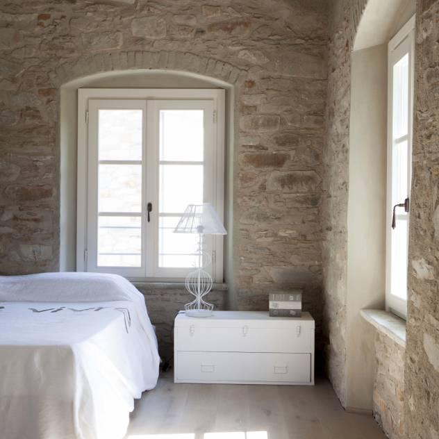 Uscire dalla cucina ed entrare in camera da letto - Camere da letto in legno rustico ...