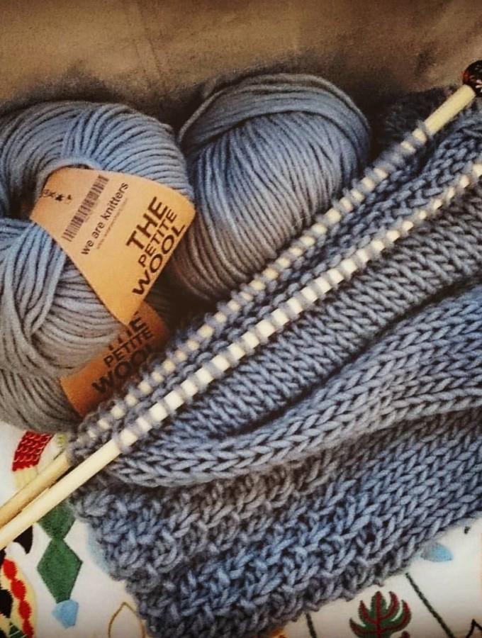 Knitting, in italiano è sferruzzando? Sferruzzare? Io sferruzzo!