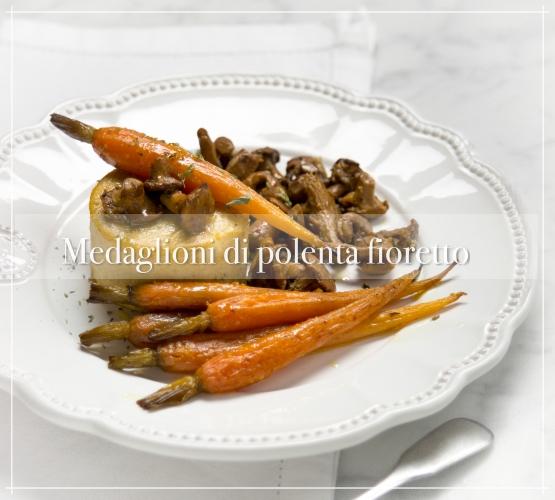 Medaglioni di polenta fioretto con verdure caramellate – cucina veg