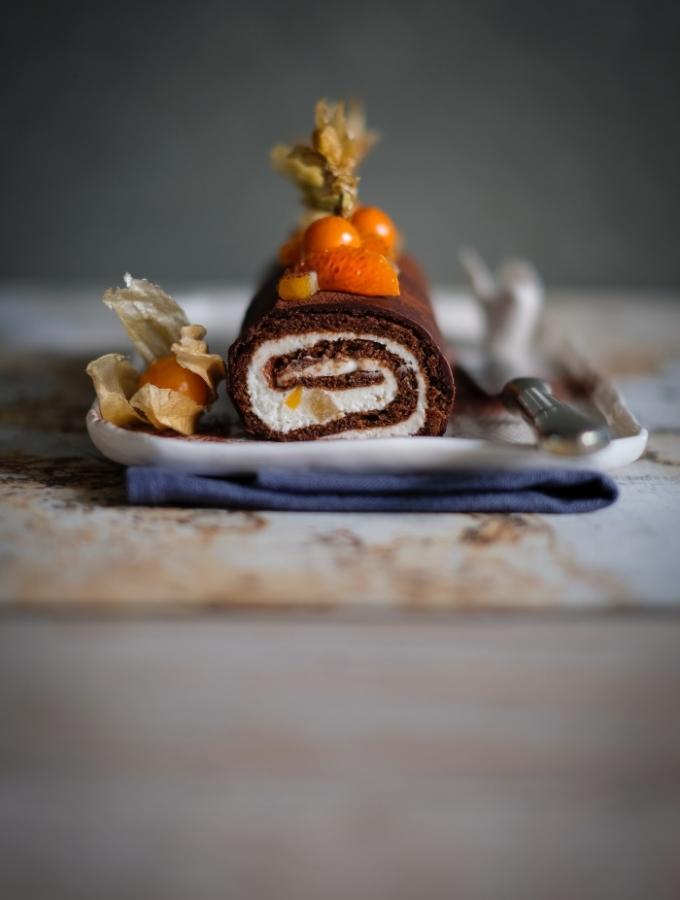 Un rotolo al cioccolato e arance candite, per un buon compleanno
