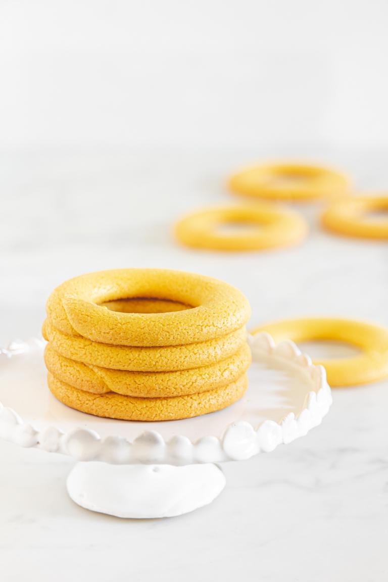 i biscotti di Burano: buranei o buranelli, bussolà, essi,